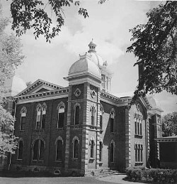 The old Dakota County Courthouse circa 1950
