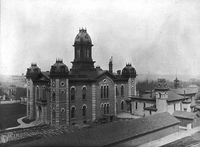 Dakota County Courthouse circa 1906