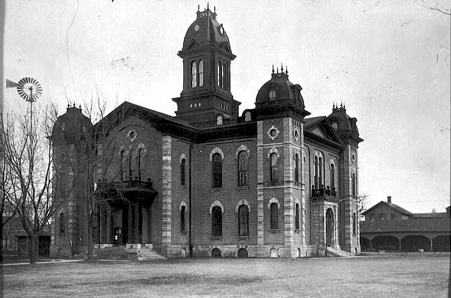 Dakota County Courthouse circa 1910