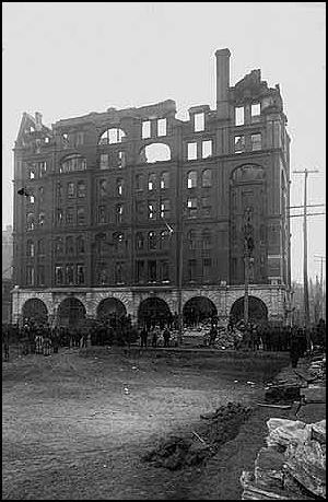 Minneapolis Daily Tribune Building after the fire December 1, 1889 (Minneapolis Star Tribune)