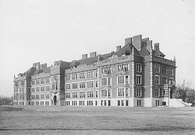 Folwell Hall on the Univerisyt of Minnesota Campus in Minneapolis circa 1910 (MHS)