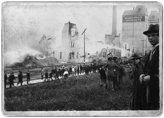 Minneapolis Brewing Company fire in 1893 (MHS)