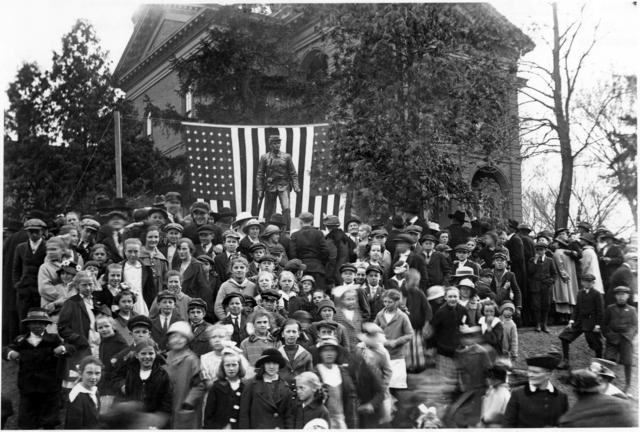 Patriot celebration at the Washington County courthouse circa 1911 (MHS)