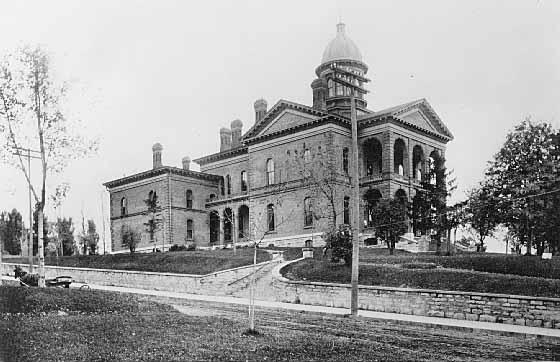 Washington County Courthouse circa 1899 (MHS)