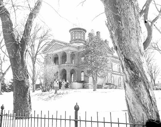 Washington County Courthouse circa 1946 (MHS)