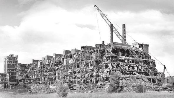 Demolition of the Armour plant in South St. Paul circa 1989 (Photo Courtesy Fred Crosby)