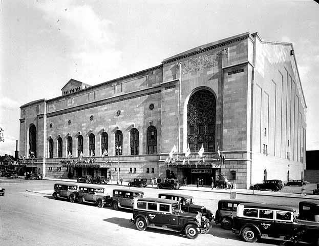 Minneapolis Auditorium circa 1935 (MNHS)